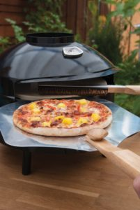 Pizza Peel in portable pizza oven