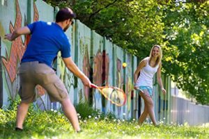 Updated Speedminton game for tailgate parties